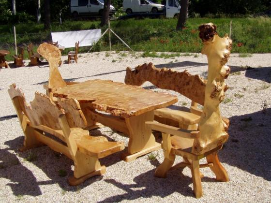 Garnituren für Restaurants, Sitzgruppe aus Massivholz, rustikal