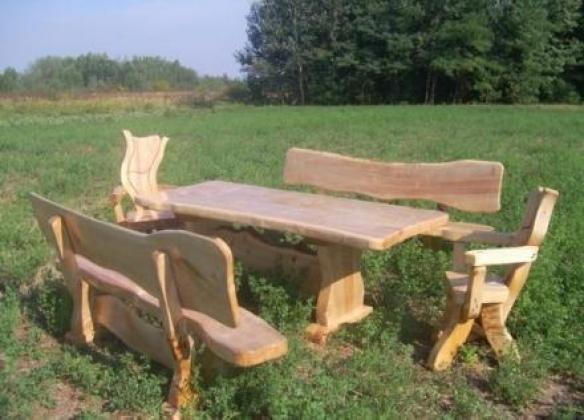 Sitzgruppe, und Garnituren aus Massivholz, rustikal, handgefertigt, wunderschön
