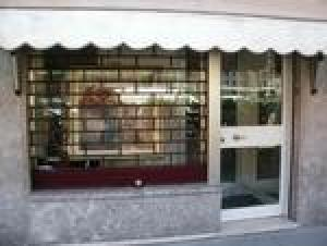 Laden mit Wohnung in Mailand zu verkaufen