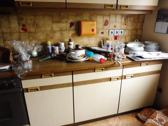 Küchenzeile o. Geräte