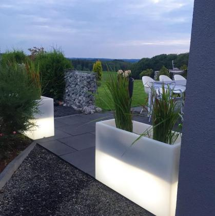 Leucht-Pflanztopf Pure Straight High LED