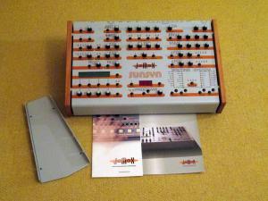 Jomox Sunsyn OS2 Analog Synthesizer