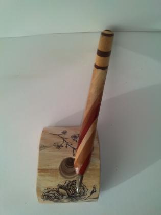Gedrechselte Holzkugelschreiber