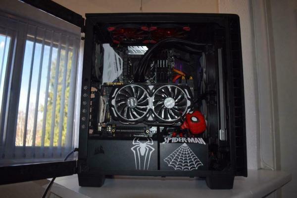 Gaming PC High End GTX 1080 CPU 8600k RAM 32 GB