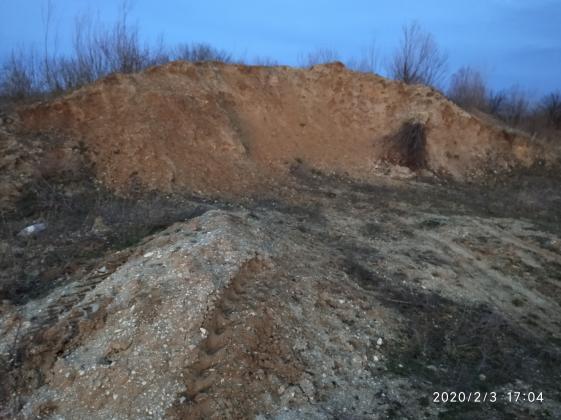 Mit Sand und Lehm gemischte Schotter in Csapod (Ungarn) zu verkaufen!