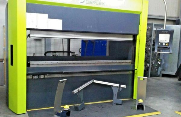Abkantpresse SAFAN e-brake 65-2550 TS1 High Speed Biegemaschine CNC Press