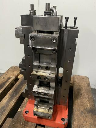 Spannturm Schraubstock NC Spanner Allmatic CNC Fräsmaschine