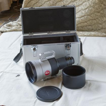Leica APO-TELYT-R 1 : 2,8/400 mm. Apochromatisch korrigiertes Teleobjektiv.