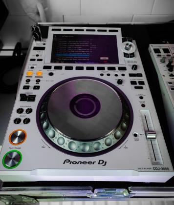 Pioneer CDJ-3000 Multi Player, Pioneer ddj 1000, Pioneer ddj 1000srt, Pioneer ddj sx3,Pioneer DDJ-FLX6,Pioneer cdj 2000 nexus2, Pioneer djm 900 nexus2