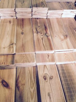 Montagefertiges Altholz - Schalbretter, Dielen, Balken, Blockwände = ALLDECO aus Polen